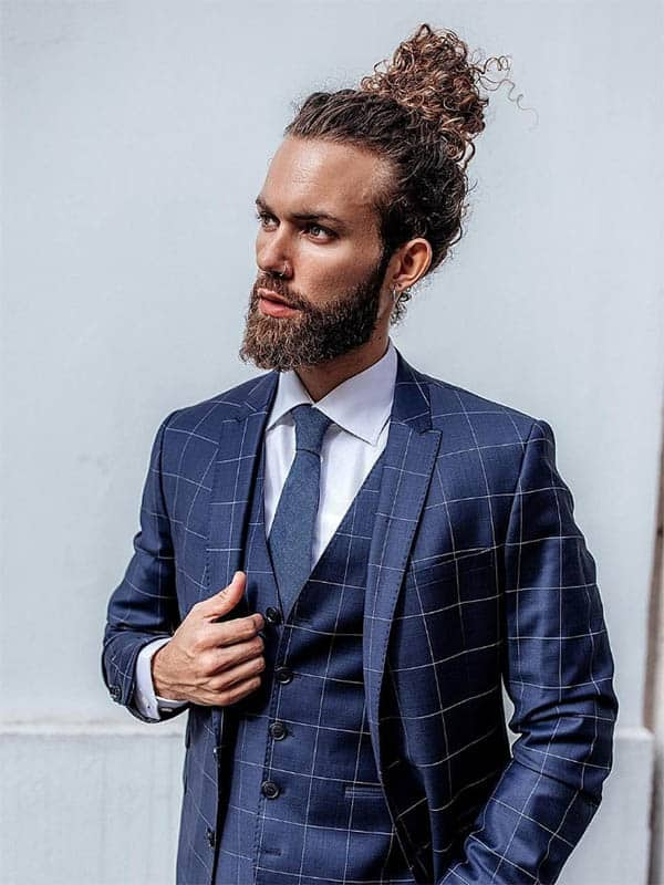 Curly Hair Men's Ponytail - Best Men's Ponytail Hairstyles