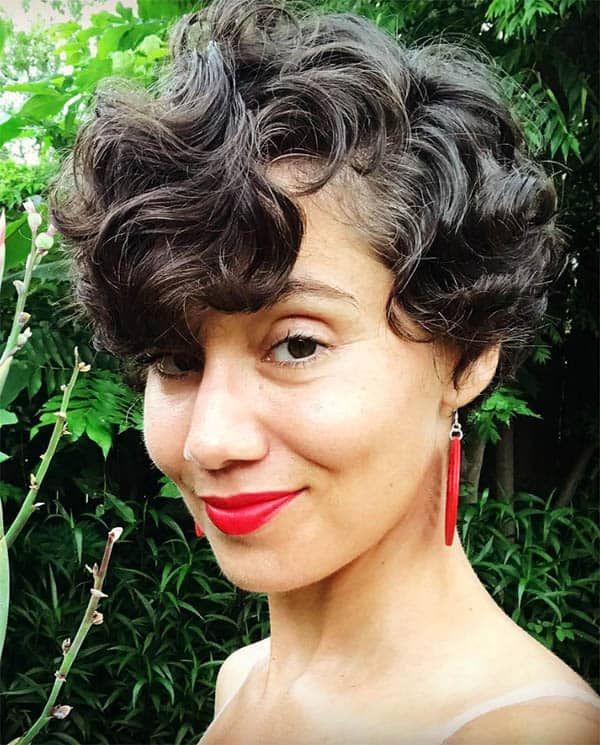 A Curly Bob - Short Curly Hair Styles For Women