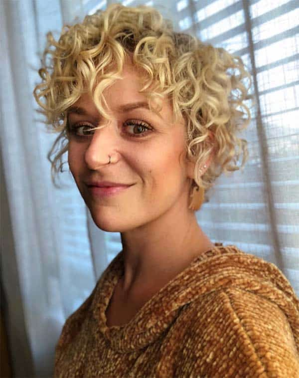 Glunge Honey Colored Beauty - Short Curly Hair Styles For Women