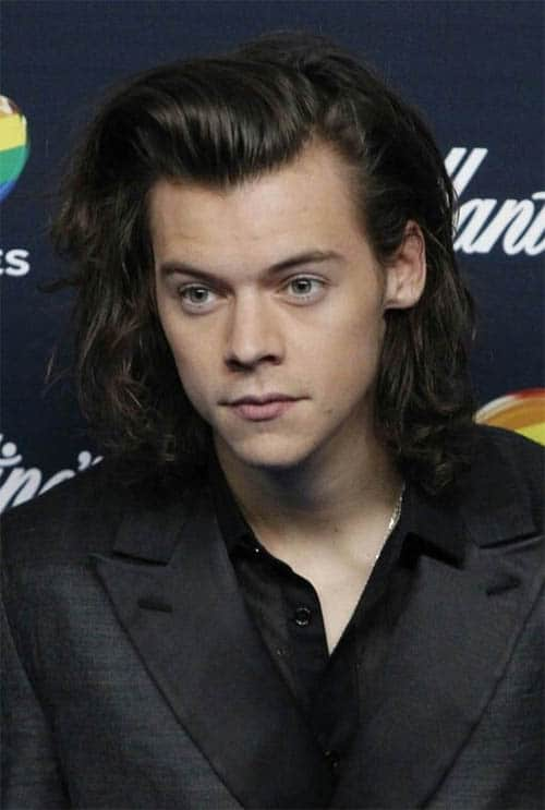 Styled Bangs Curl - Harry Styles Haircuts